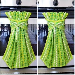Other - ONLY 1 SET AVAIL!!!   2 Hanging Snap Towels